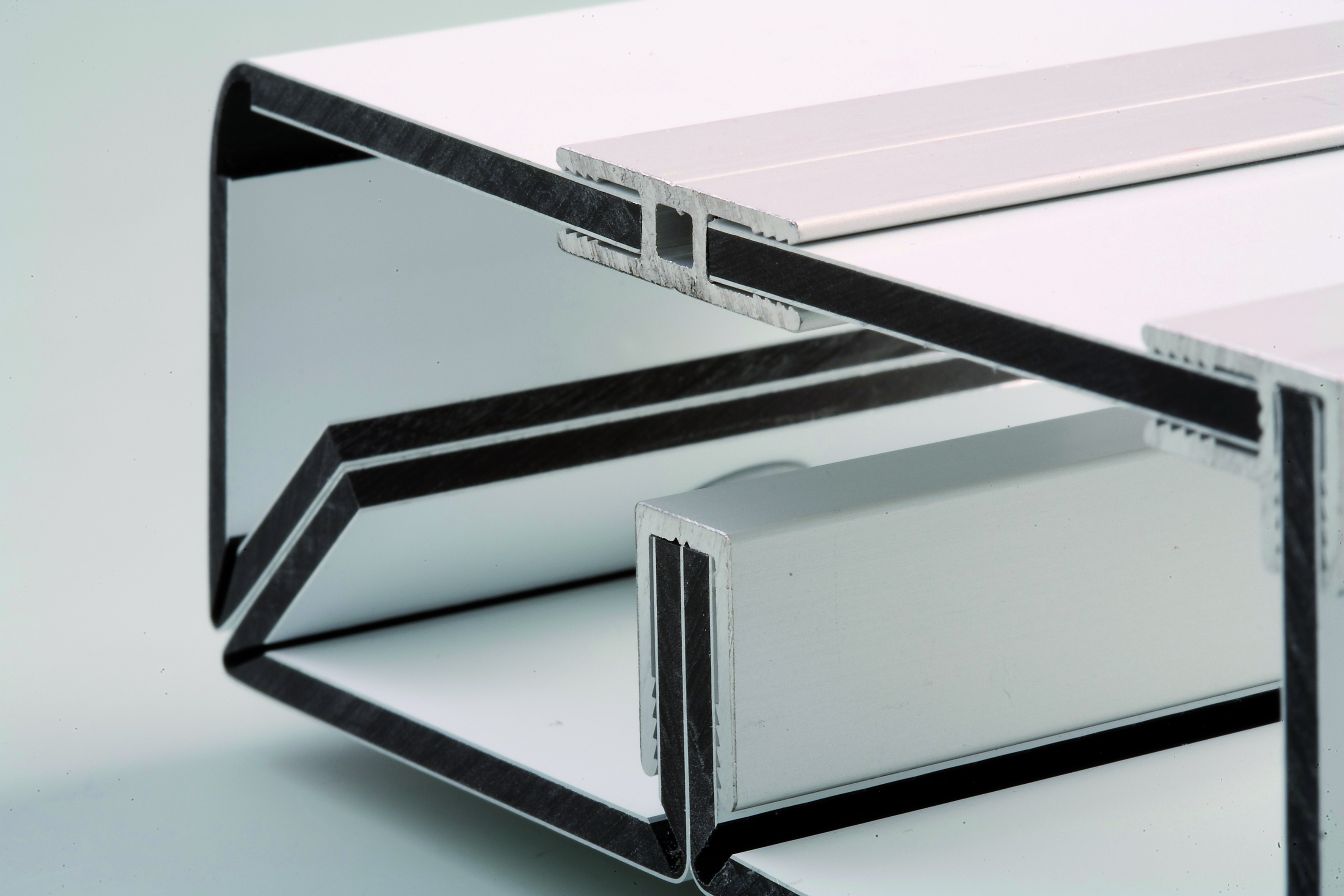 vinilos planchas y m s planchas de aluminio sandwich dibond. Black Bedroom Furniture Sets. Home Design Ideas